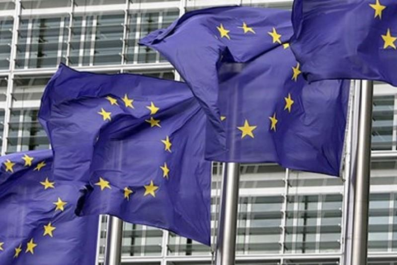 Bruxelas revê em baixa crescimento de Portugal para 3,9% este ano