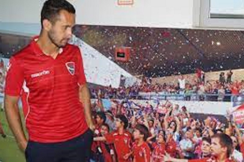 Defesa Rúben Fernandes renova com Gil Vicente por uma temporada