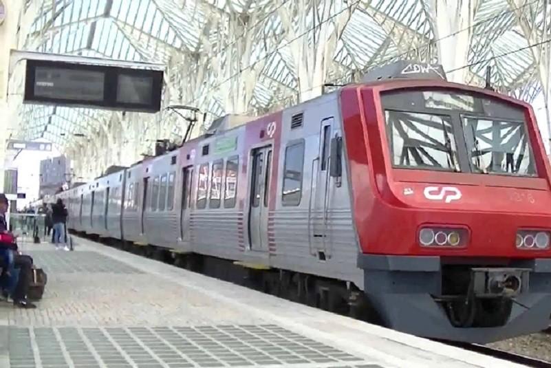 Greve fez com que só circulassem 31 dos 67 comboios programados até às 06:00