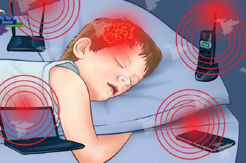 Dispositivos eletrónicos no quarto prejudicam sono e saúde das crianças