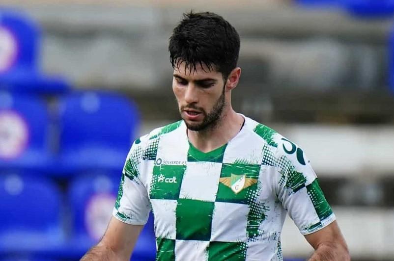 Médio Fábio Pacheco renova com Moreirense por duas temporadas