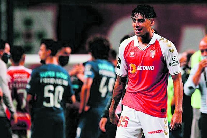 Samuel Costa sai por 5,25 milhões de euros