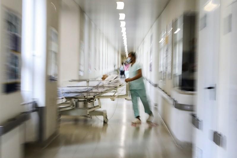 Mais 16 novos internamentos, 1.568 casos e duas mortes