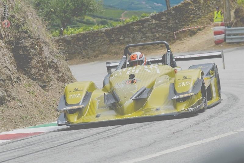 José Correia segura liderança do campeonato