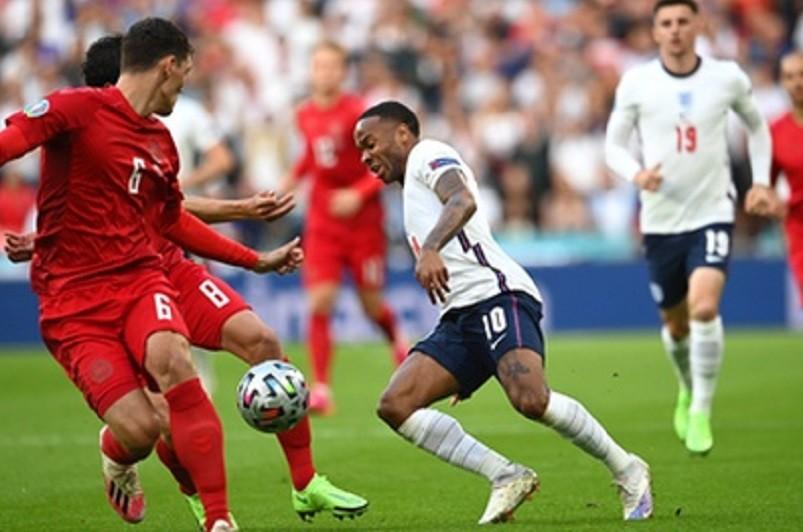 Inglaterra pela primeira vez na final ao bater Dinamarca