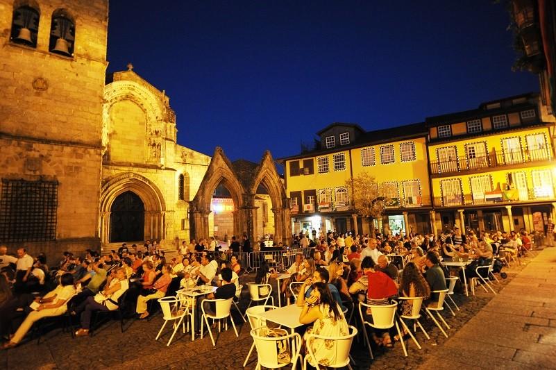Festival de música erudita com 10 concertos em monumentos e ruas de Guimarães