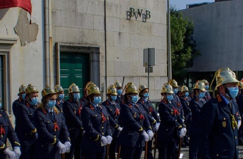 Bombeiros Voluntários de Braga distinguidos com divisas e medalhas