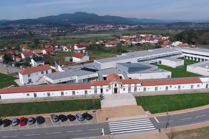 Politécnico de Viana do Castelo une 10 indústrias em projeto solidário para levar a cultura ao palco