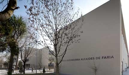 Ano Letivo: Ano em secundária de Barcelos arranca com greve dos funcionários