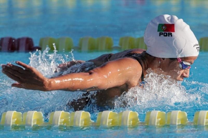 Ana Catarina Monteiro avança para meias-finais dos 200 mariposa