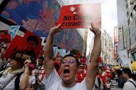 Hong Kong: UE acompanha protestos com preocupação e pede reconstrução da confiança