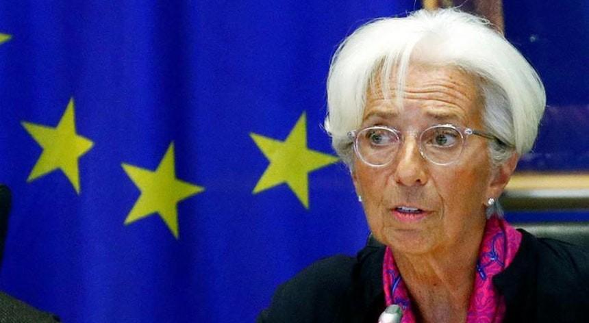 Eurodeputados dão luz verde à nomeação de Christine Lagarde para liderar BCE