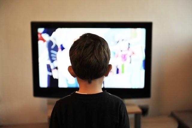 Lei que proíbe publicidade a produtos prejudiciais para menores entra hoje em vigor