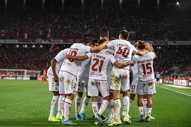Guerreiros do Minho partem em busca da glória e dos milhões da UEFA