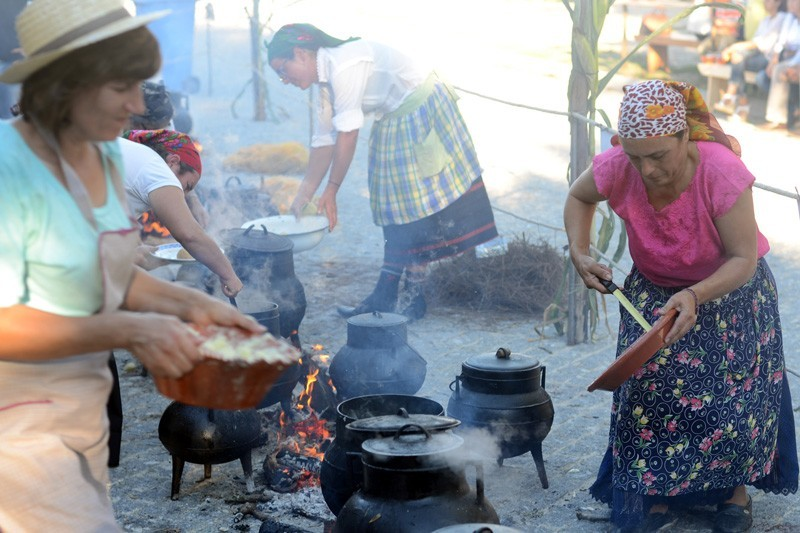 Mais de 20 caldos tradicionais feitos em potes em Sabariz