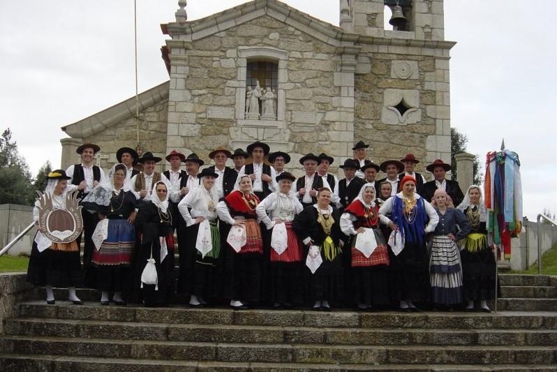 Grupo Folclórico de Aveleda recria os Romeirinhos à Senhora do Parto
