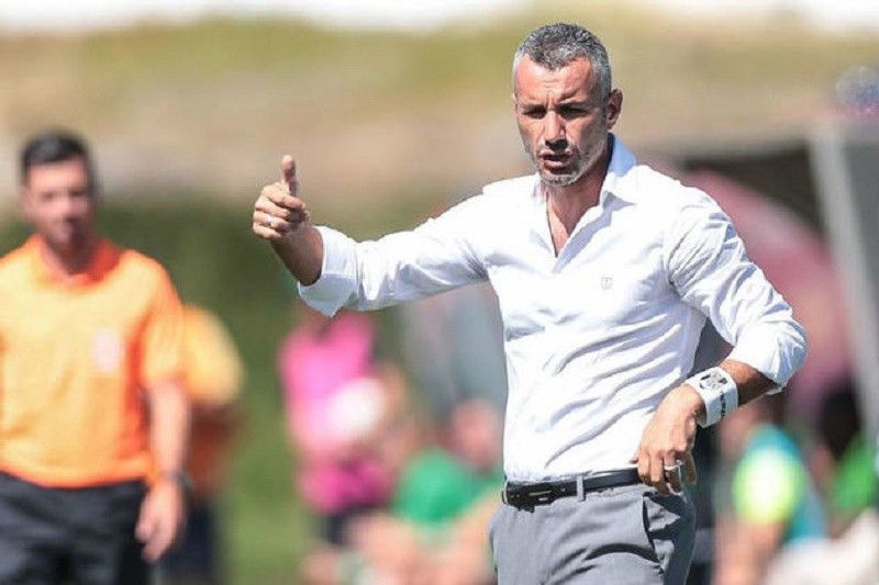 Treinador do Guimarães quer vencer Tondela