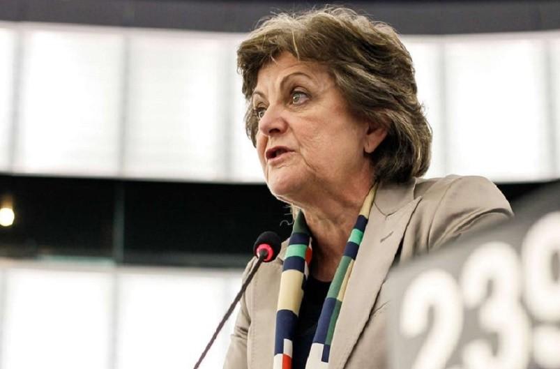 Elisa Ferreira com