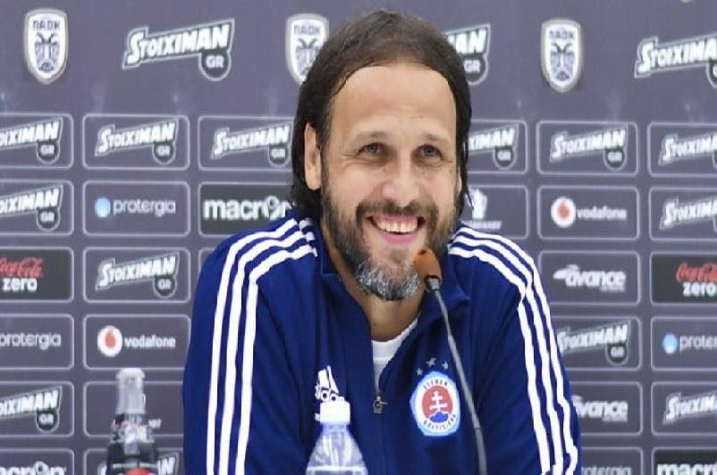Treinador do Slovan Bratislava diz que Sporting de Braga é favorito