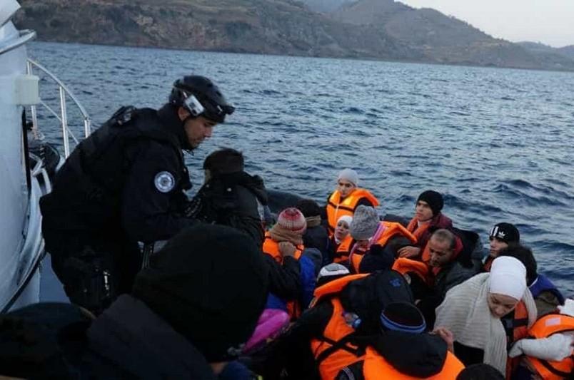 Polícia Marítima portuguesa resgatou na madrugada de hoje 38 migrantes na Grécia