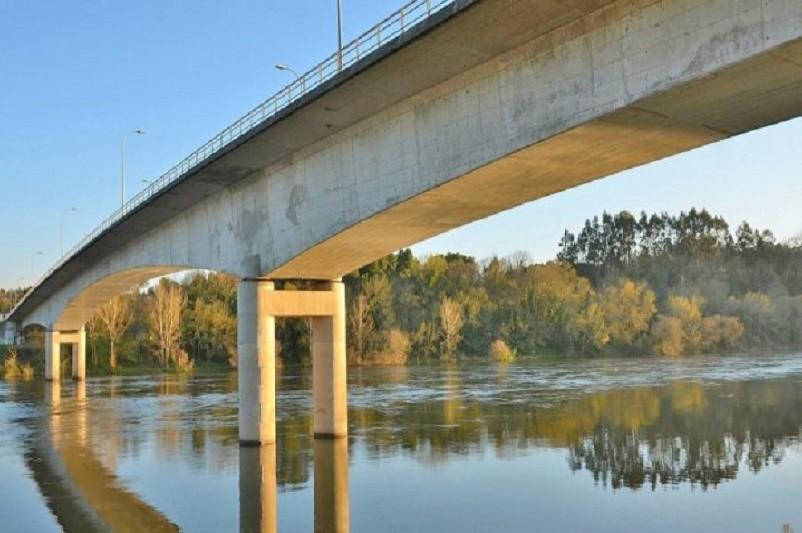 Investimento conjunto de 700 mil euros requalifica ponte entre Monção e Galiza