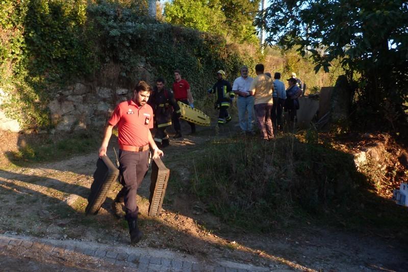 Homem de 70 anos morre em capotamento de tractor em S. João de Rei