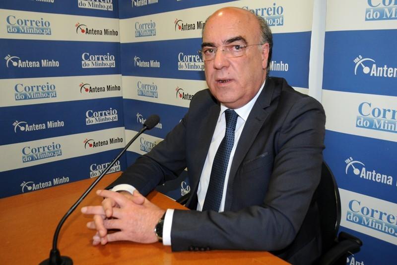Autarca de Barcelos regressou à Câmara mas não pode falar com funcionários