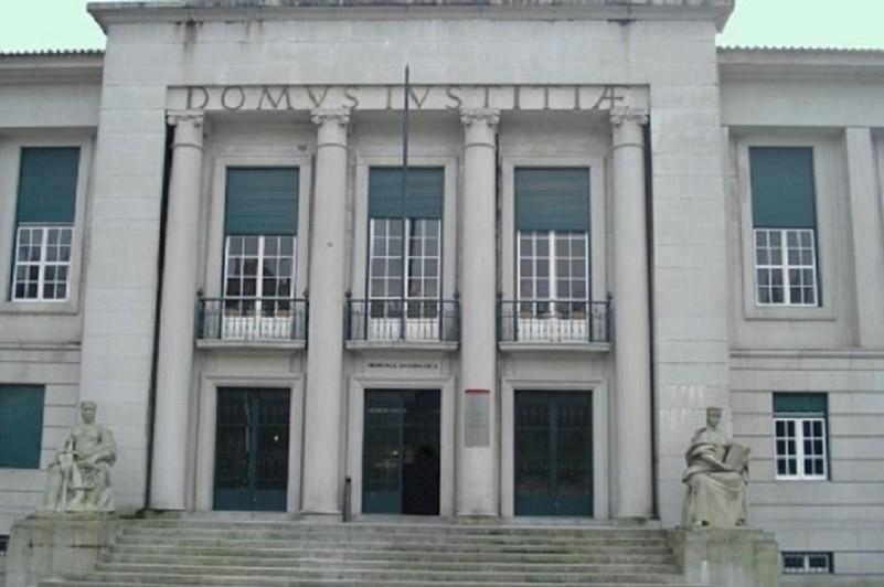 Três adeptos do Vitória de Guimarães arguidos por alegados insultos racistas a Marega