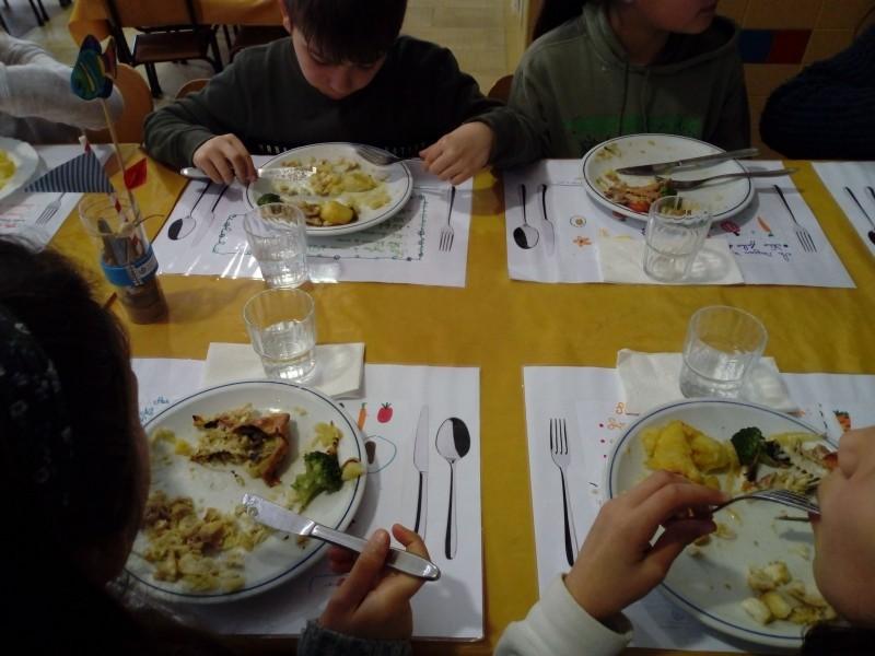 Câmara de Braga credora de mais de meio milhão em refeições escolares
