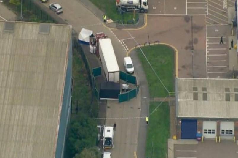 Trinta e nove pessoas encontradas mortas em contentor no Reino Unido