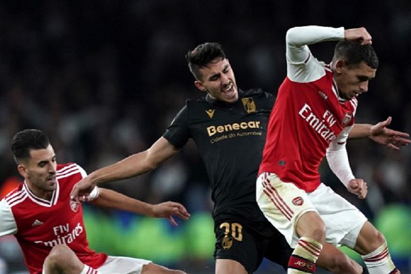 LE: Vitória perde com Arsenal por culpa de dois livres diretos no final