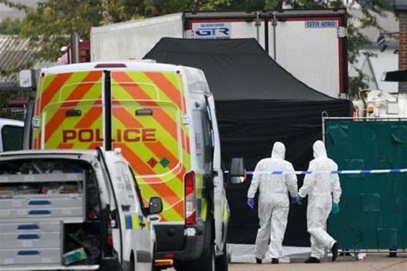 Mais duas pessoas detidas na investigação à morte de 39 pessoas num camião