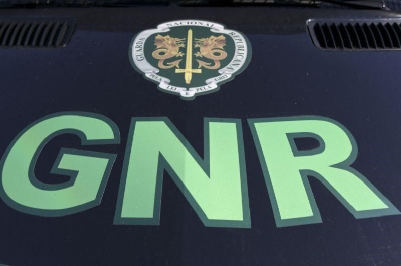 GNR detém dois homens em flagrante por furto em residência na Póvoa de Varzim