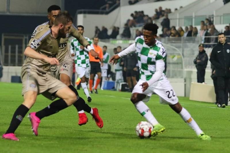 Moreirense resiste com 10 jogadores e empata com Boavista