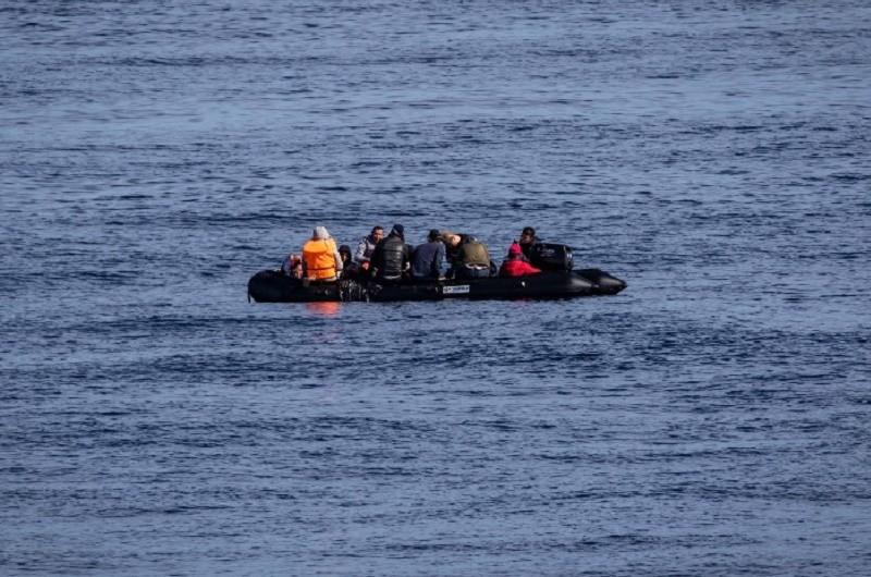 Navio português deteta embarcação com 15 migrantes a sul de Espanha