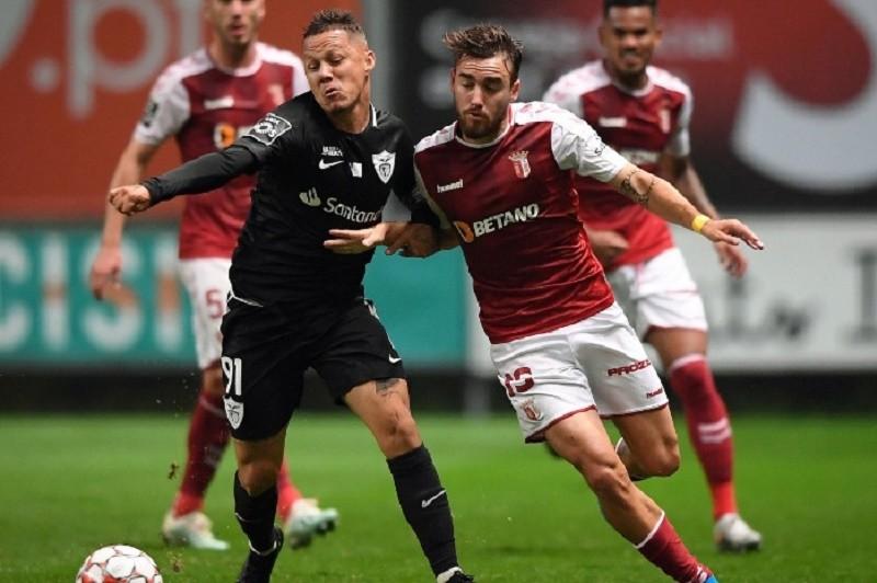Sporting de Braga vence Santa Clara e sobe a nono da I Liga de futebol