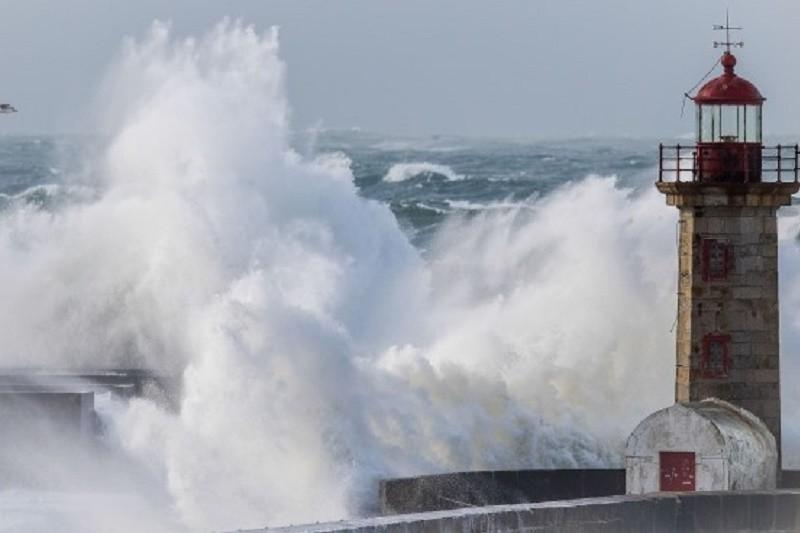 Braga sob aviso amarelo no fim de semana devido à agitação marítima