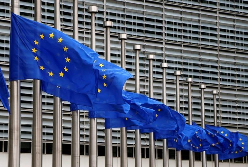 UE/Previsões: Bruxelas mais otimista que Governo vê PIB a crescer 2% este ano