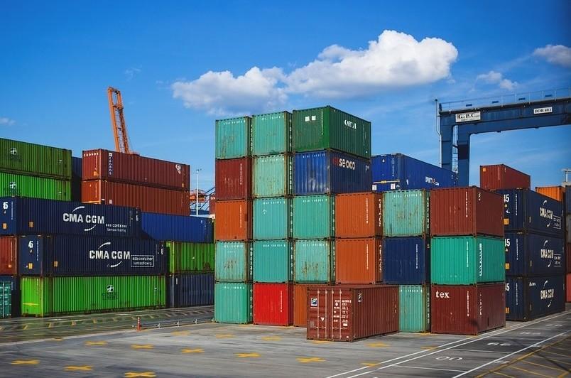 Exportações sobem 5,8% e importações 13,2% em setembro - INE