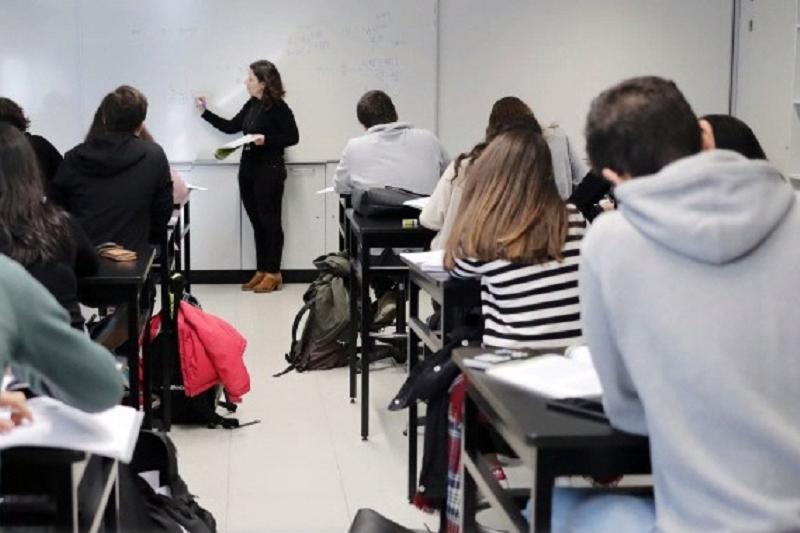 Pelo menos 10 mil alunos continuam sem todos os professores - Fenprof