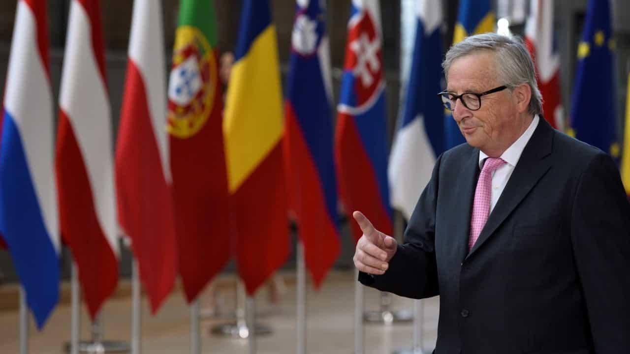 Cimeira europeia começa com três horas de atraso