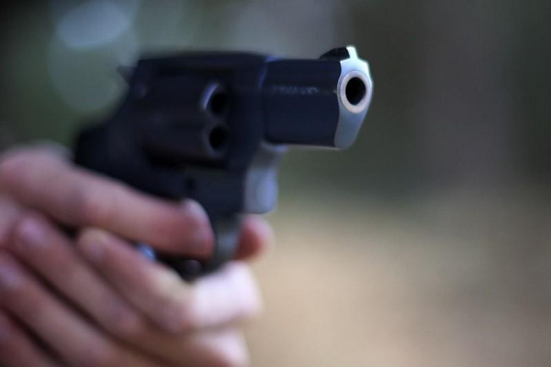 Homem disparou sobre montra de loja desativada em Famalicão