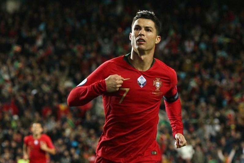 Covid-19: Cristiano Ronaldo com teste positivo