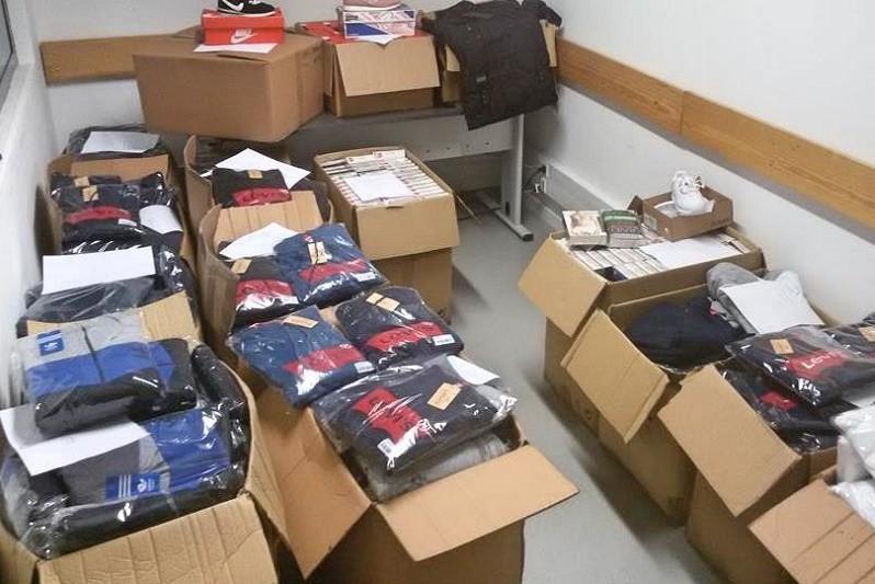 GUIMARÃES: PSP deteve 6 comerciantes na feira semanal por contrafação