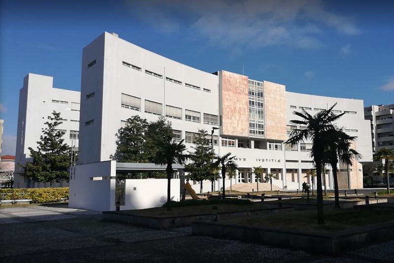 Homicídio de empresário de Vila Verde senta viúva e filho no banco dos réus