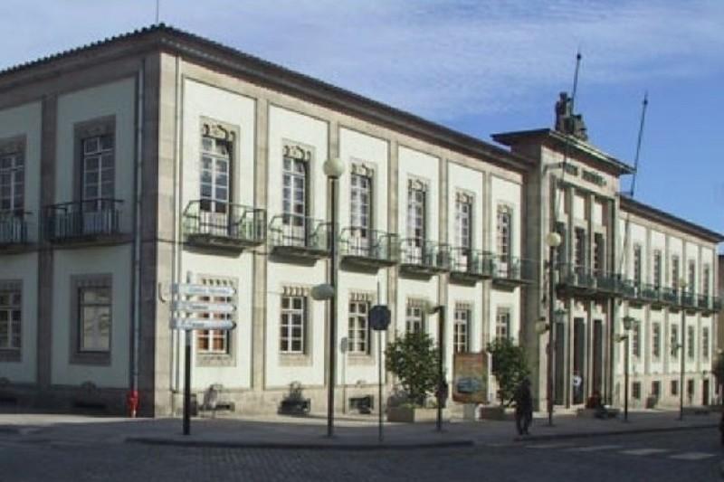 Decisão do tribunal de Viana sobre homicídio provoca revolta nos familiares da vítima