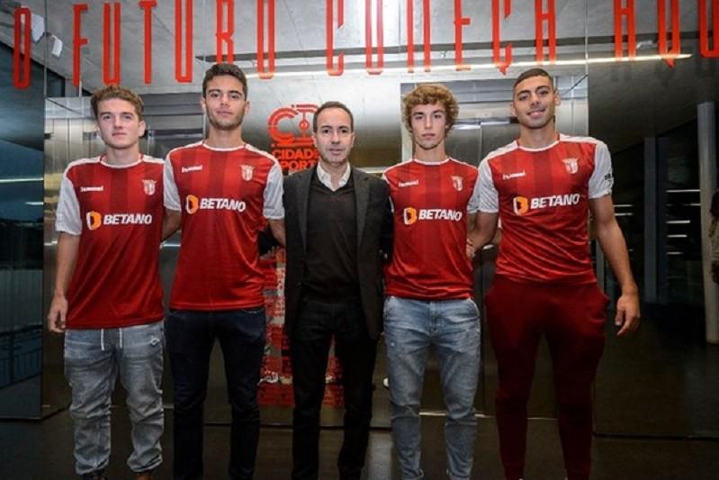 Sporting de Braga renova com quatro jogadores da formação