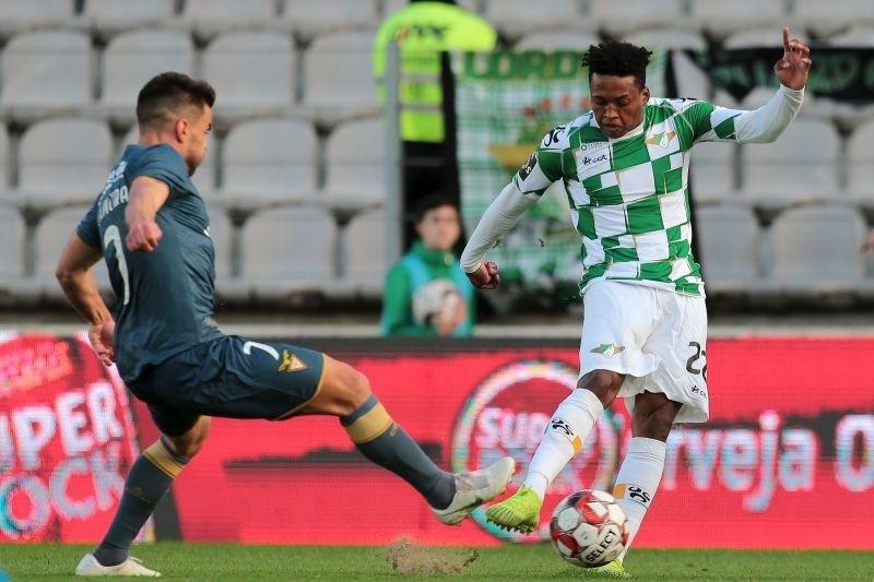 Moreirense impõe 10.ª derrota consecutiva ao Aves e sobe a 10.º da I Liga