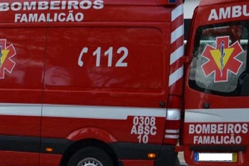 Seis agentes da PSP feridos em acidente na A3 em Famalicão