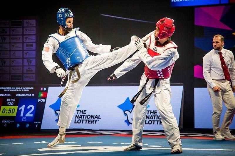 Rui Bragança e Júlio Ferreira em forma no Grande Prémio de Moscovo de taekwondo